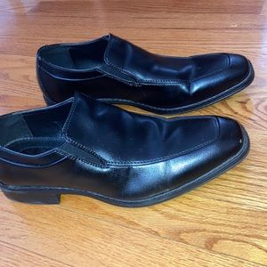 Apt. 9 men's dress shoes! Great for work or church